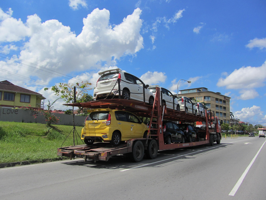 How Much Does It Typically Cost to Ship a Car